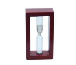 drewniany zegar piaskowy